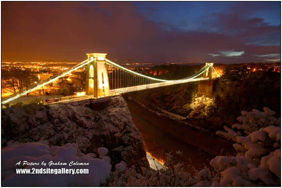 Clifton suspension bridge night time view